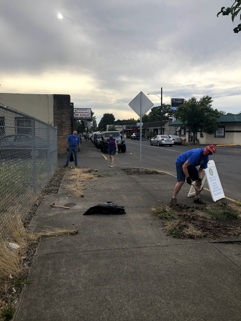 Main Street Cleanup 8-19-20 - Hard at work