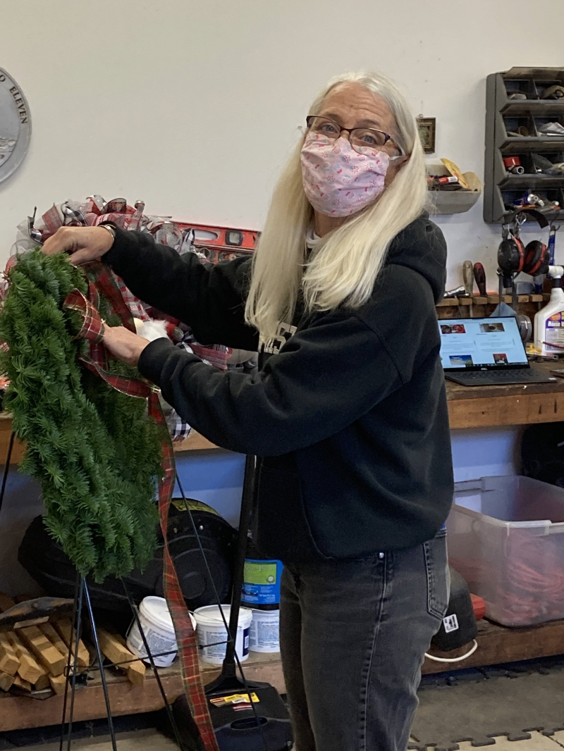 Decorating the Wreaths for FOWW 2020